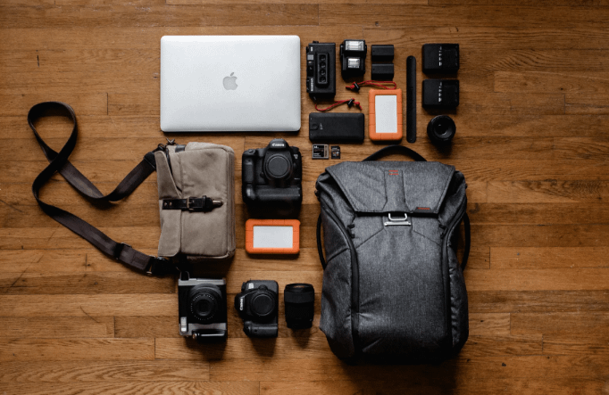Factors to Consider When Buying a Travel and Vlogging Camera